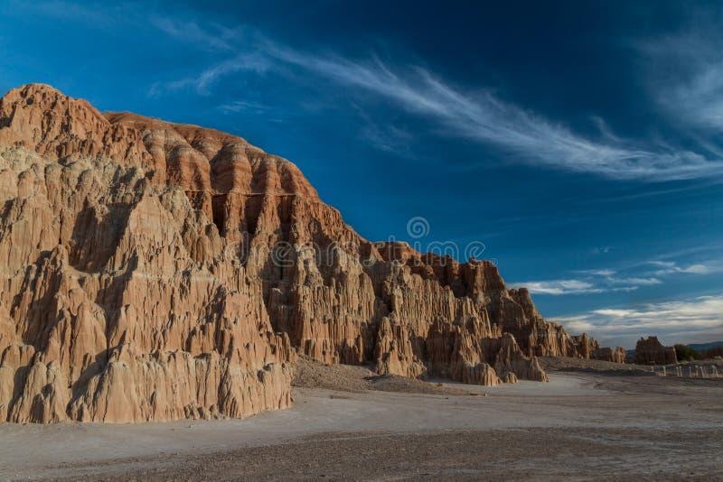 O céu do por do sol e a paisagem surpreendentes da catedral Gorge o parque estadual em Nevada imagens de stock royalty free