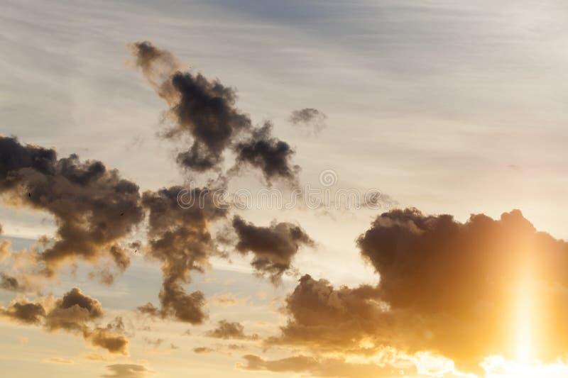 O céu durante o por do sol fotografia de stock