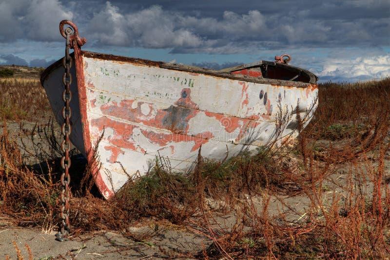 O céu locked HDR do barco da terra endireita imagem de stock