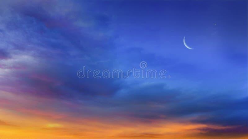 O céu na noite com estrelas Lua nova imagens de stock royalty free