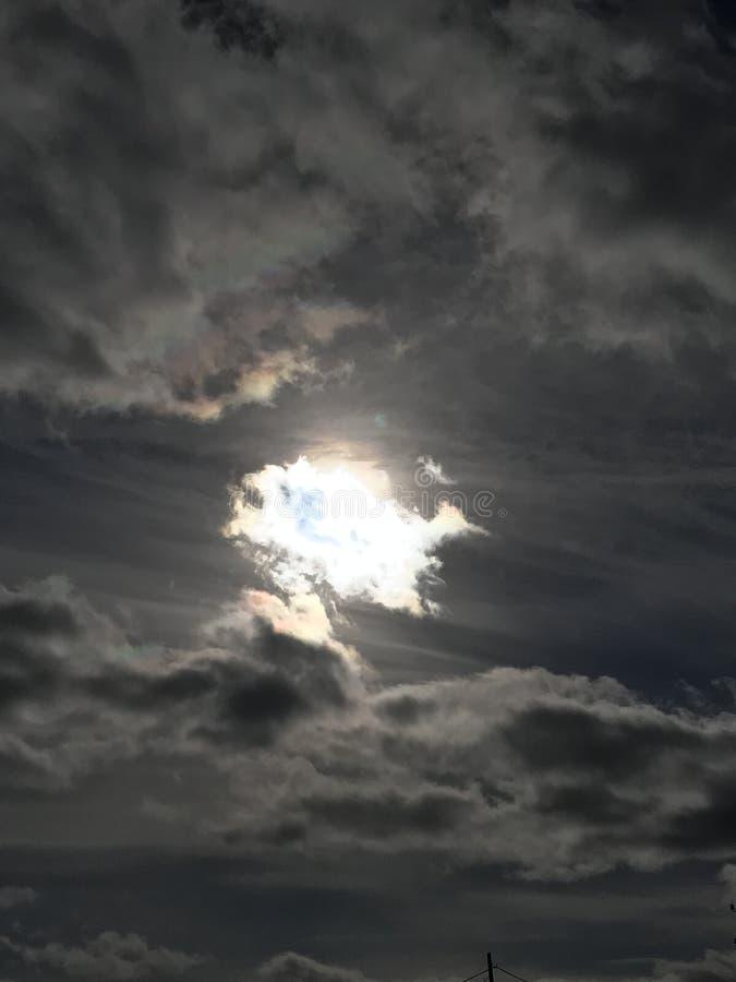 O c?u e o sol imagem de stock