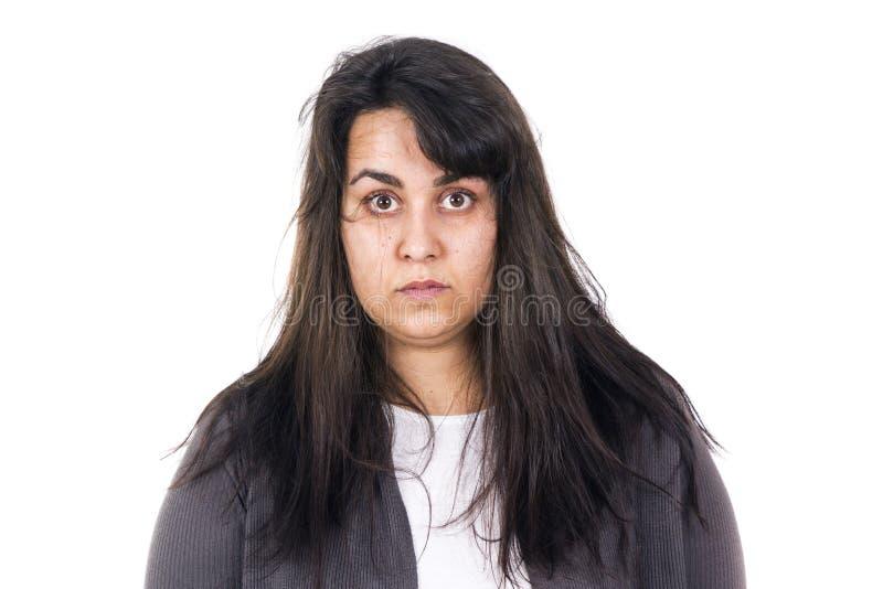 O cabelo desarrumado da mulher apenas acordou isolado cedo foto de stock royalty free