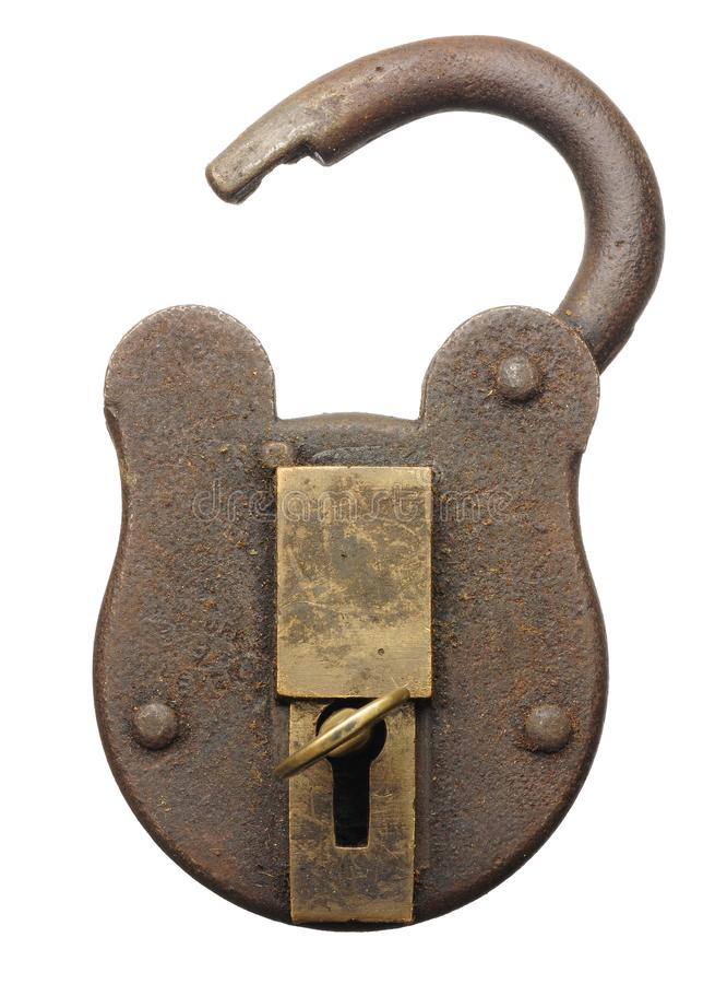 O cadeado antigo abriu com chave isolado no branco fotos de stock royalty free