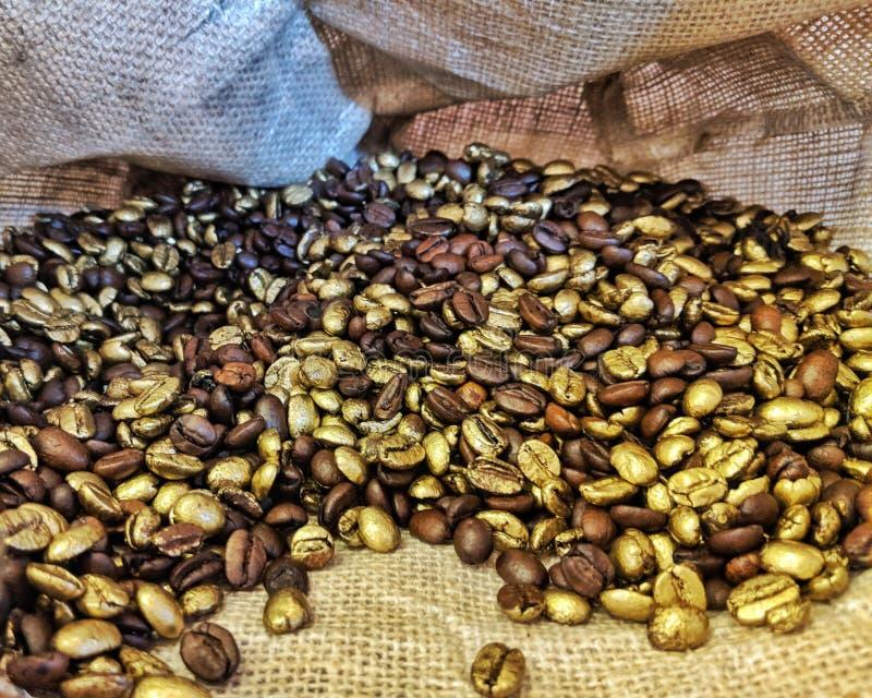 O café é ouro imagens de stock
