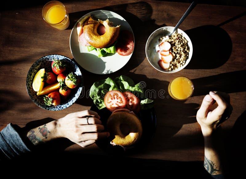O café da manhã é bom para sua saúde fotos de stock royalty free
