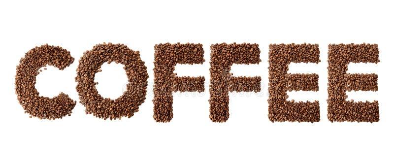 O café da palavra fez dos feijões de café roasted e verdes isolados no fundo branco imagem de stock