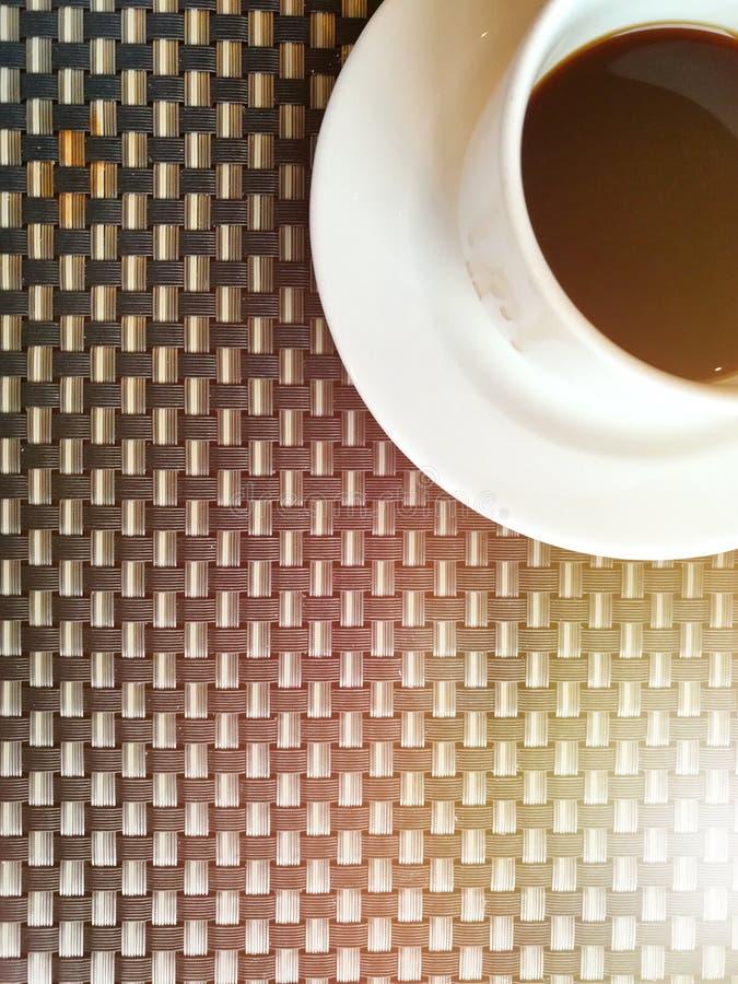 O café preto e relaxa o tempo imagens de stock