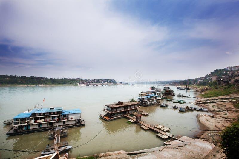 O cais antigo do Rio Yangtzé imagens de stock