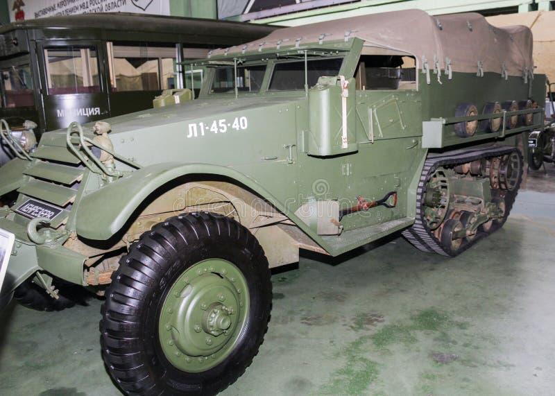 O caminhão americano militar de múltiplos propósitos de 1943 M3A1 brancos imagem de stock royalty free