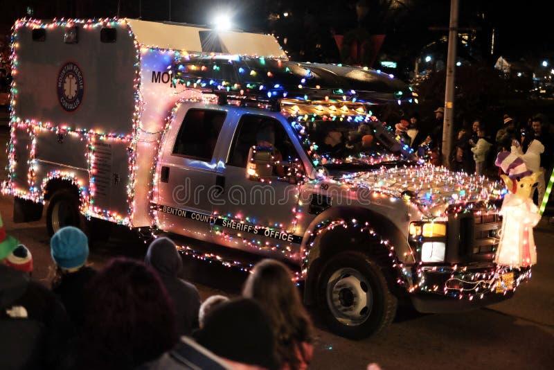 O caminhão do salvamento da montanha do xerife conduz na parada do feriado de Oregon fotografia de stock