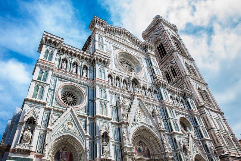 O Campanile e Florence Cathedral de Giotto consagraram em 1436 imagens de stock
