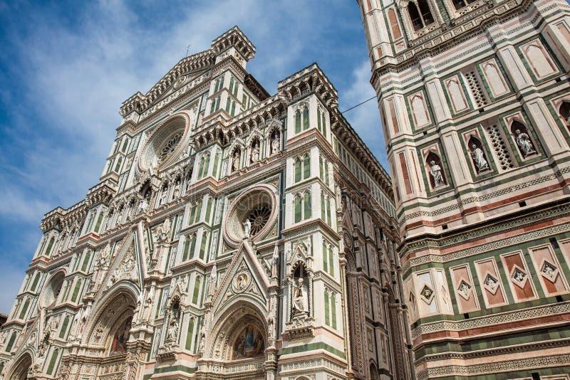 O Campanile e Florence Cathedral de Giotto consagraram em 1436 imagens de stock royalty free