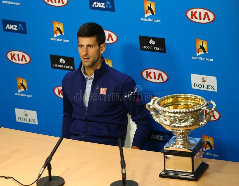 O campeão Novak Djokovic do grand slam de onze vezes durante a conferência de imprensa após a vitória no australiano abre 2016 imagens de stock