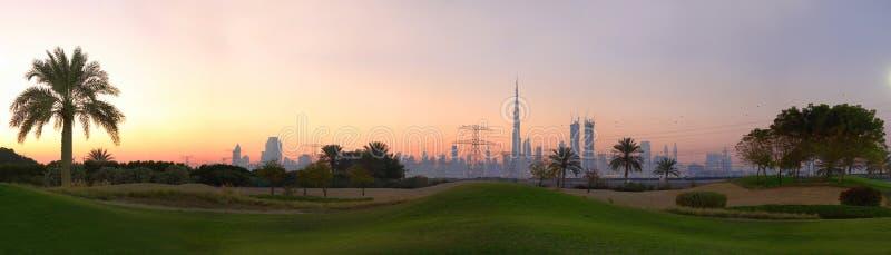O campo de golfe em Dubai fotografia de stock royalty free