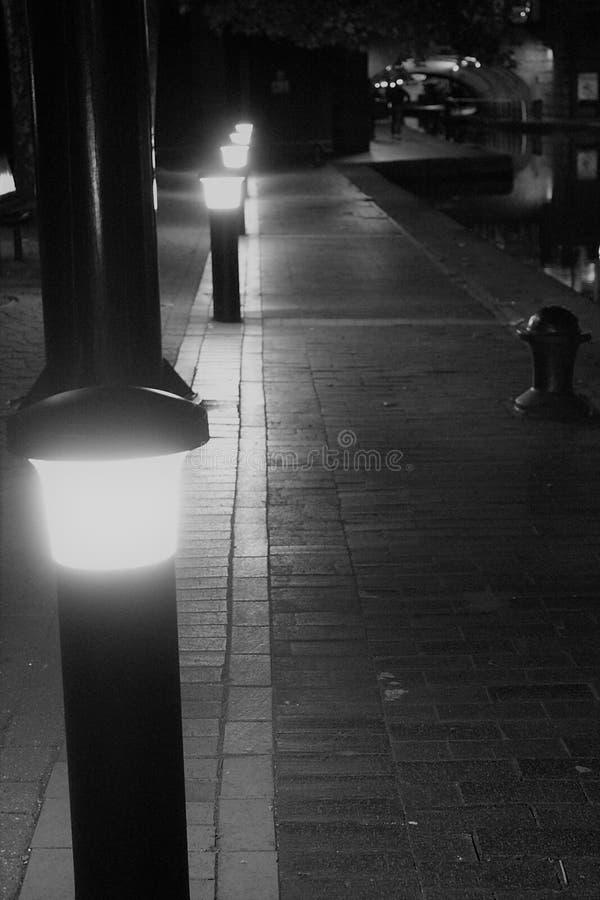 O canal da caixa postal de Birmingham ilumina a vista foto de stock royalty free