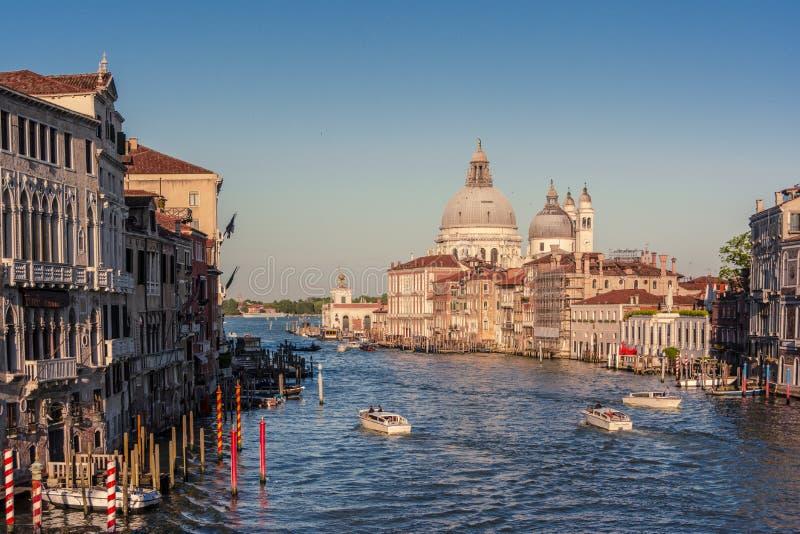 O canal de Gran em Veneza com a basílica Santa Maria Della Salute fotografia de stock royalty free