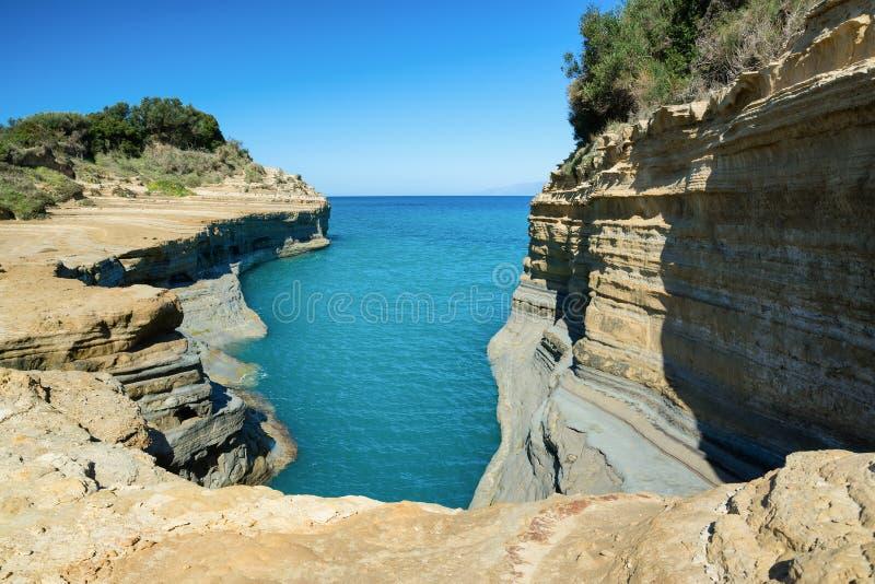 O canal do amor, caso amoroso do ` do canal d em Sidari Console de Corfu, Greece fotos de stock royalty free
