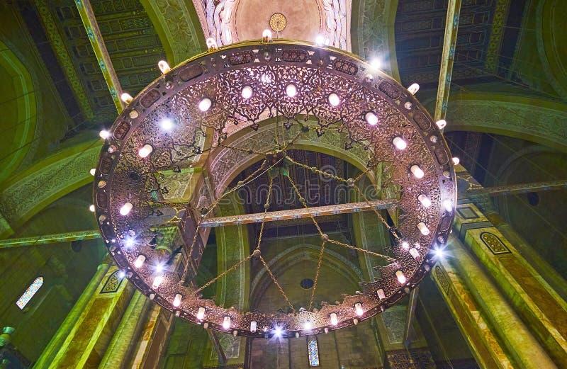 O candelabro velho da mesquita do al-Rifai, o Cairo, Egito foto de stock royalty free