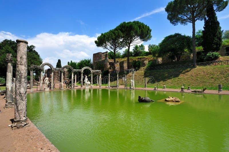O Canopo na casa de campo de Hadrian, Tivoli - Roma foto de stock