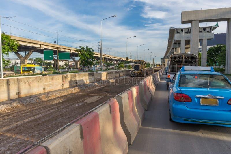 O canteiro de obras do trem de céu redline Bangsue-Rangsit imagens de stock royalty free