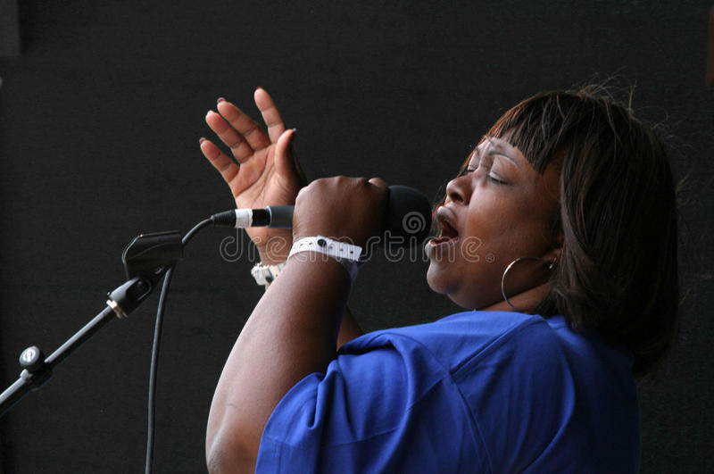 O cantor #2 do evangelho dos furacões imagens de stock royalty free