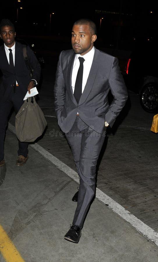 O cantor Kanye West é visto em RELAXADO fotos de stock royalty free