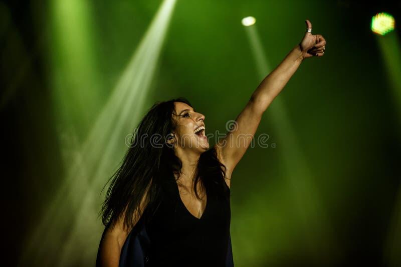 O cantor ucraniano famoso Jamala deu um concerto que apresenta seu álbum novo Podykh (a respiração) fotos de stock royalty free