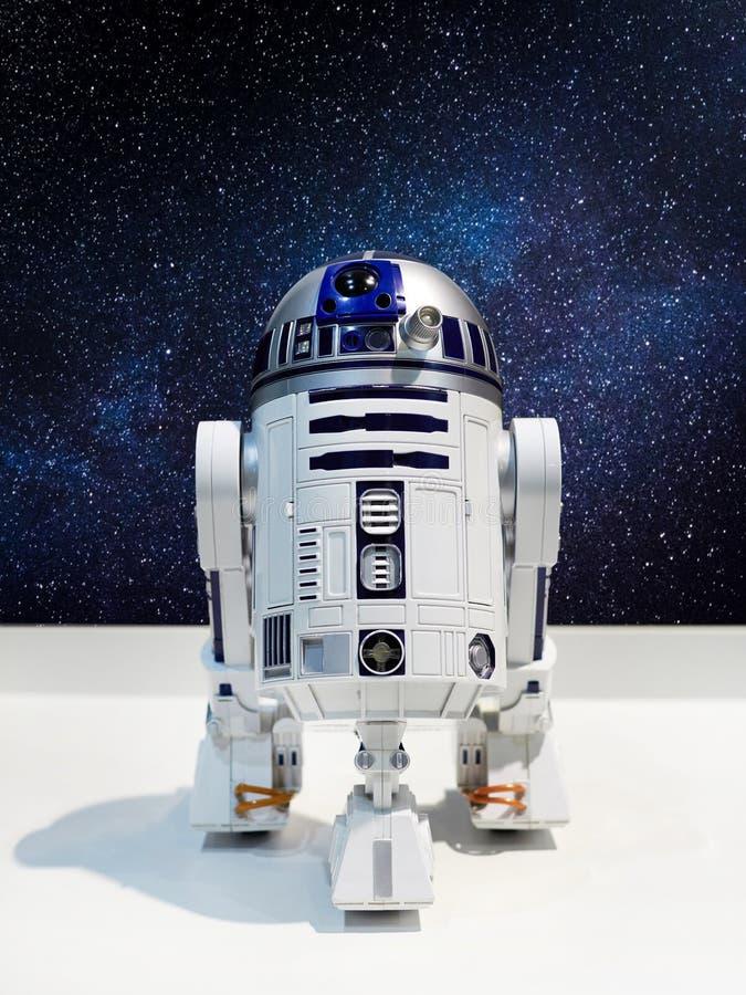 O caráter do droid astronômico nos univers imaginários fotos de stock royalty free