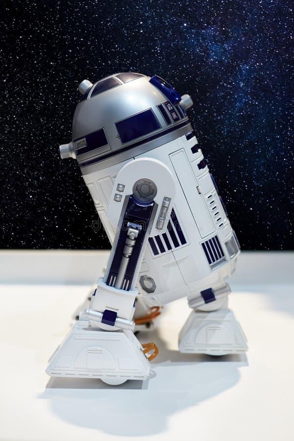 O caráter do droid astronômico nos univers imaginários fotografia de stock royalty free