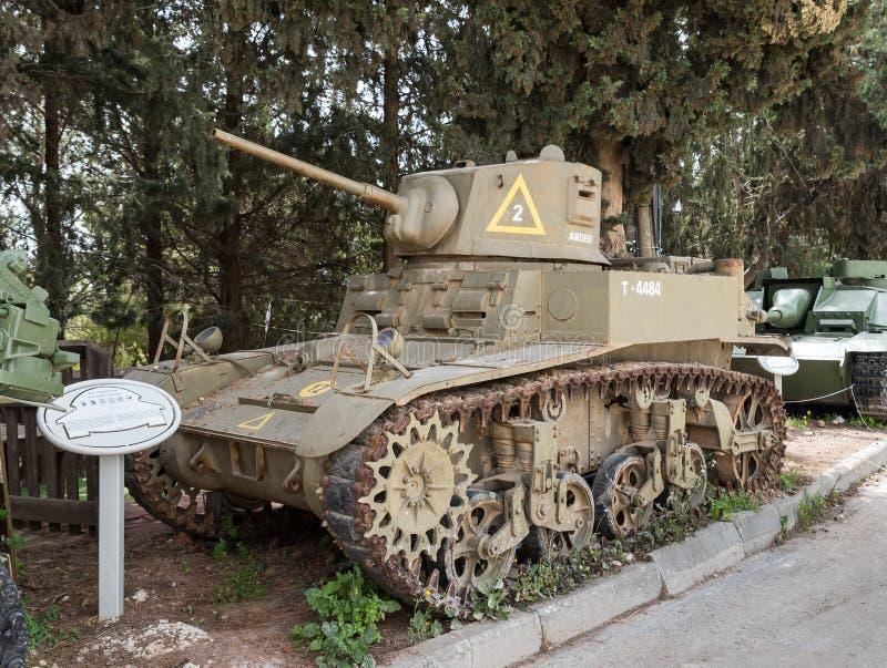 O carro de combate leve americano M3A1 Stuart está no local memorável perto do museu blindado do corpo em Latrun, Israel fotografia de stock royalty free