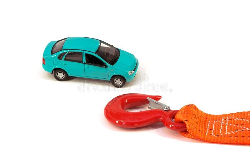 O carro e a corda do reboque fotos de stock