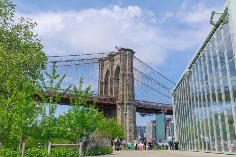 O carrossel de Jane no parque da ponte de Brooklyn em New York City foto de stock