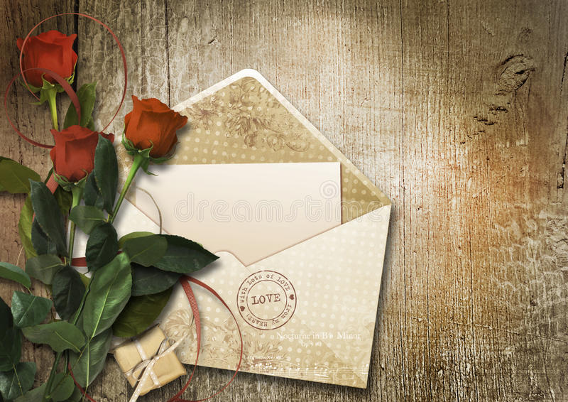 O cartão do Valentim com envelope e as rosas no backg de madeira do vintage ilustração stock