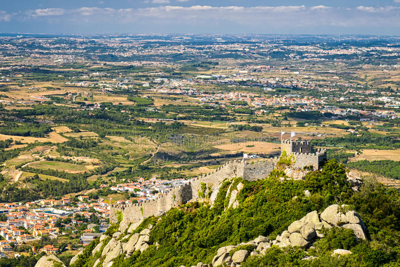 O castelo de amarra em Sintra, Portugal fotografia de stock