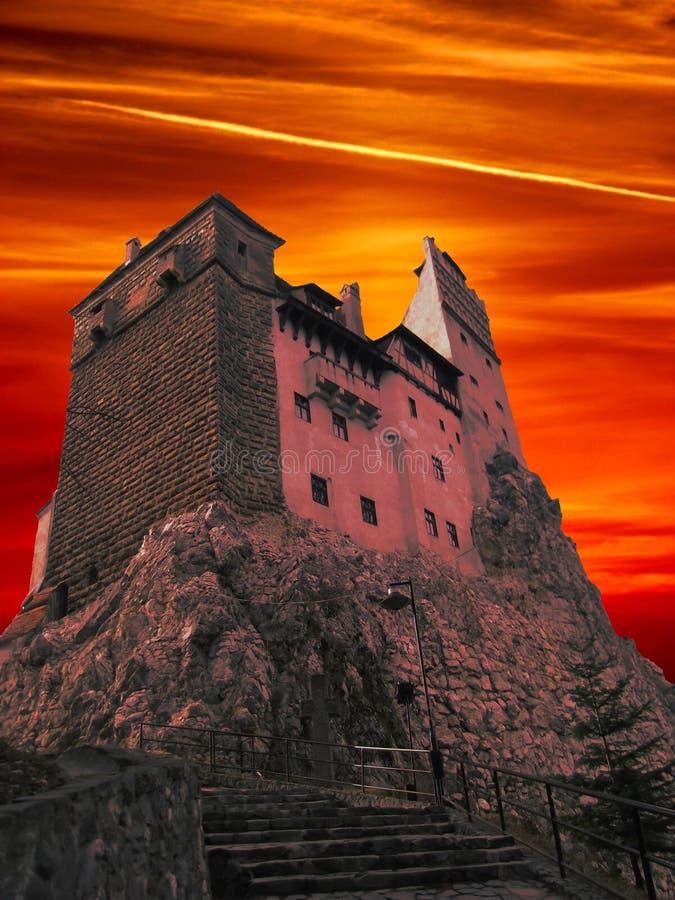 O castelo de Dracula da Transilvânia foto de stock