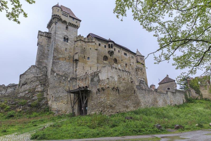 O castelo de Lichtenstein é ficado situado perto de Maria Enzersdorf ao sul de Vi foto de stock royalty free