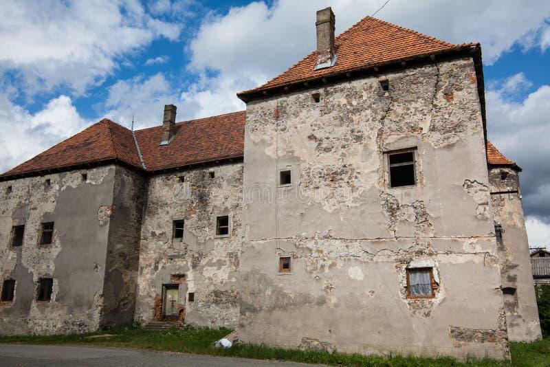 O castelo de Saint Miklos é construído ao fim do 14a e dos séculos XV, região Transcarpathian fotos de stock royalty free