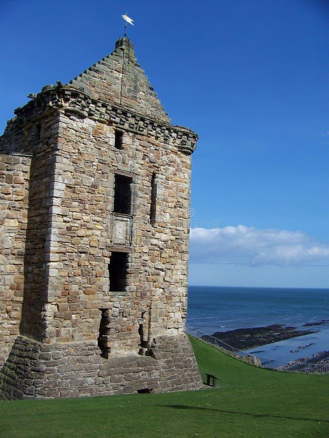 O castelo de St Andrew em Escócia fotografia de stock