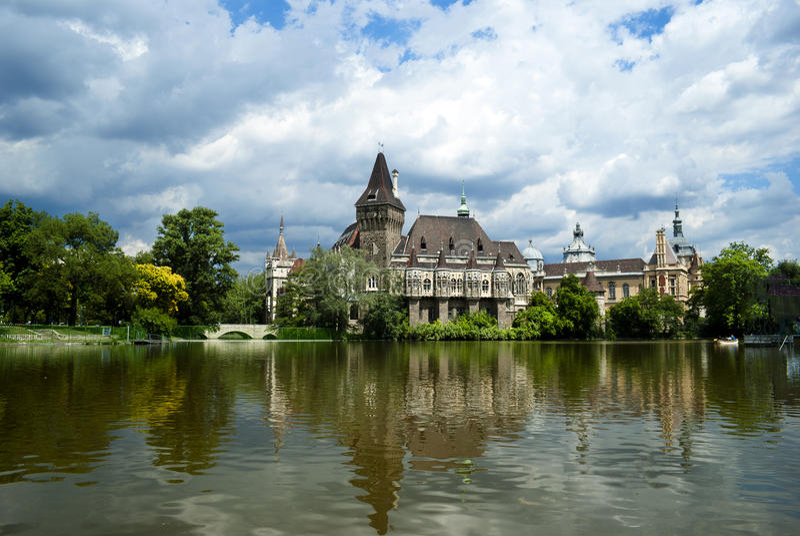 O castelo de Vajdahunyad, Budapest foto de stock royalty free