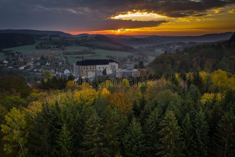 O castelo do ternberk do ½Å de ÄŒeskà é um castelo boêmio dos mediados do século[XIII fotos de stock