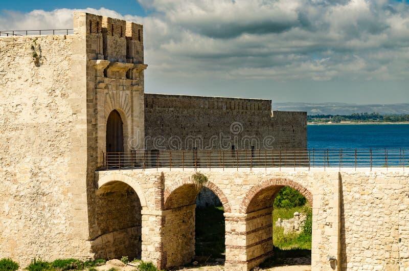 O castelo em Siracusa - Sicília imagens de stock royalty free