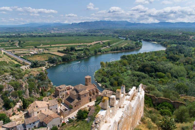 O castelo Miravet em Catalonia, Espanha fotografia de stock royalty free