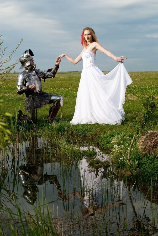 O cavaleiro e a noiva imagem de stock