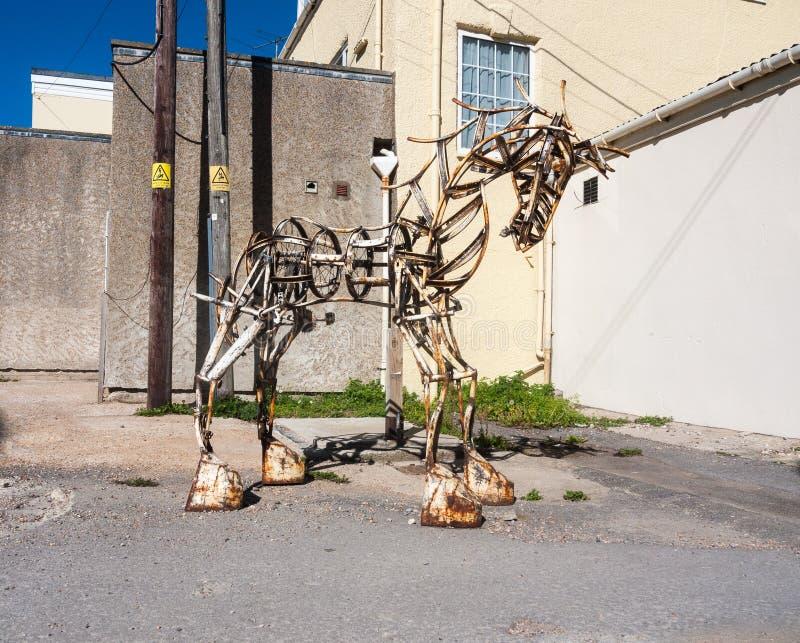 o cavalo da estrutura do metal crafted a uma especs. ereta originais feitos à mão imagens de stock
