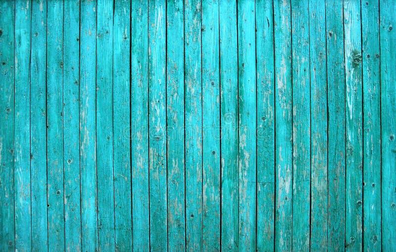 O celeiro de turquesa pintou a parede velha da placa de madeira fotos de stock