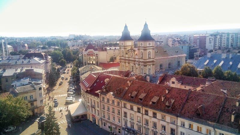 O centro da cidade velha Ivano-Frankivsk imagens de stock royalty free