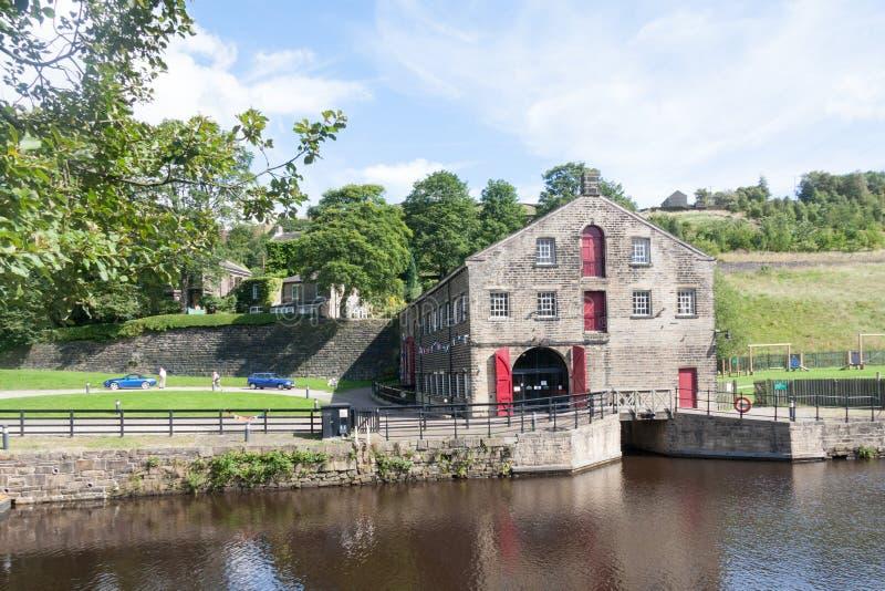 O centro do visitante do canal e do túnel do Stanedge da confiança do rio, Marsden, Yorkshire, Inglaterra, Reino Unido imagens de stock royalty free