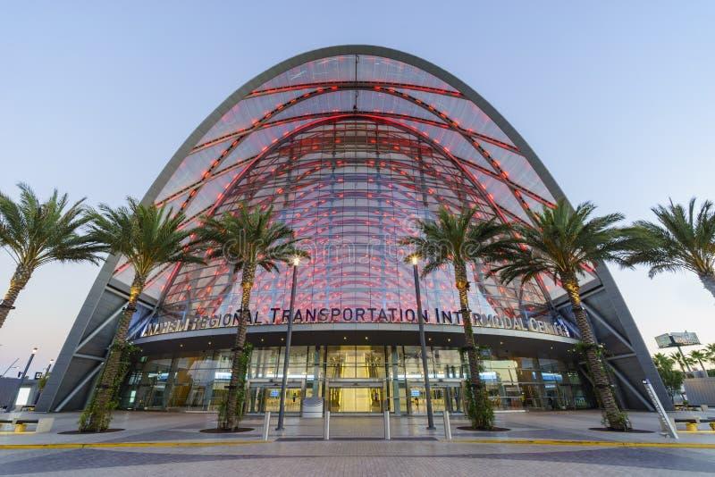 O centro intermodal regional bonito do trânsito de Anaheim imagens de stock