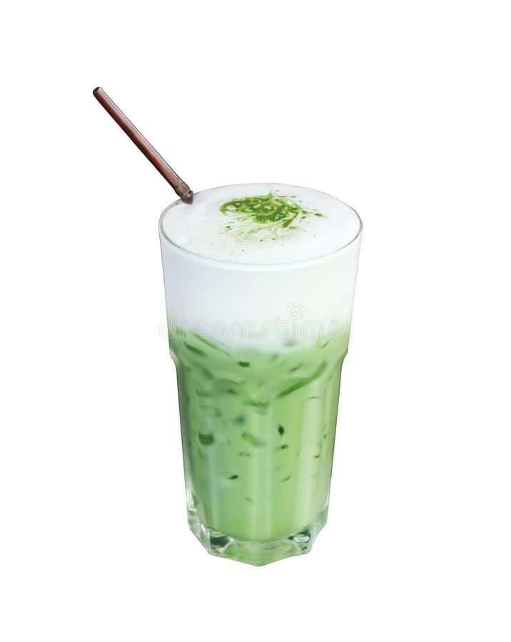 O chá verde congelado com folhas de hortelã e palha marrom isolou-se isolado no fundo branco foto de stock royalty free