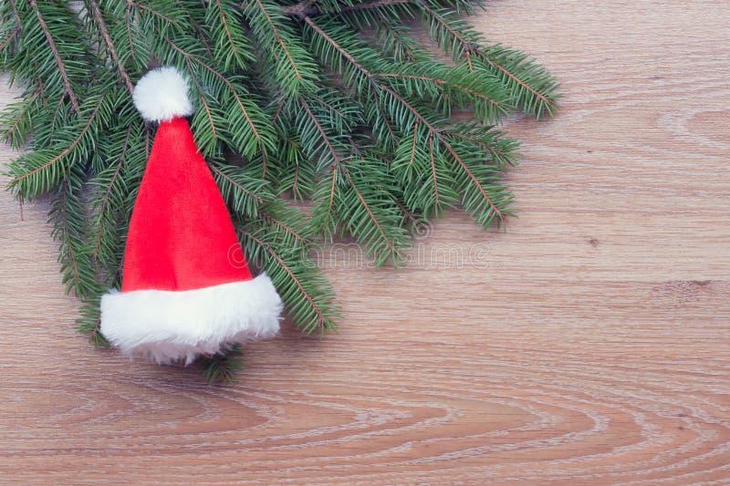 Download O chapéu de Santa foto de stock. Imagem de modo, pinho - 29828962